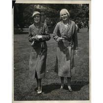 1932 Press Photo Mabel Whiteman And Marian W Raymond At Belmont Park, New York