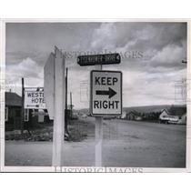 1956 Press Photo Eisenhower Drive, Frazier Colorado Vacation Snapshot
