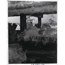1940 Press Photo High waves pounding a Redondo Beach pier.  - nee48469