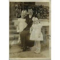 1923 Press Photo German Crown Princess Cecelia and her children.  - nee53109