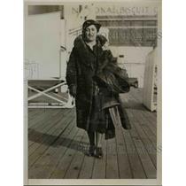 1935 Press Photo Denise Clarouin Parisian Literary agent and Translator arrives