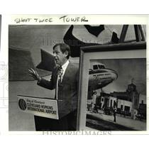 1986 Press Photo Dennis Ragle at ground breaking new tower at Hopkins airport