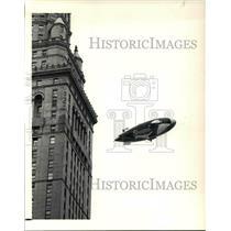 1990 Press Photo Shamu makes a trip around the Terminal Tower