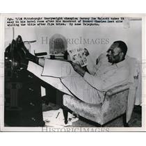 1951 Press Photo Pittsburgh Pa Heavyweight champ Jersey joe Walcott relaxes