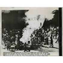 1956 Press Photo Rioters Burn City Property at Bombay India Railroad Station