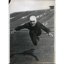 1935 Press Photo Merritt Bush tackle for University of Chicago - nes30984