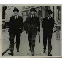 1938 Press Photo Walter Elliot, Sir Thomas Inskip, and Earl De La Warr, London