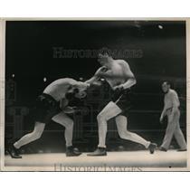 1936 Press Photo Andre Lenglett of France vs Hans Birkie at NYC bout - nes30182