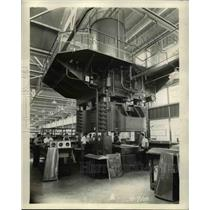 1937 Press Photo Hydraulic press by Press Mfg co for Douglas Aircraft Co