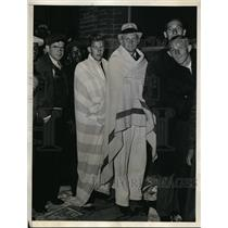 1933 Press Photo Charles Francis Scheing, George Mertel fans in line for Red Sox