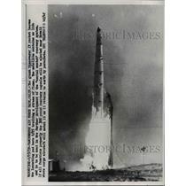 1959 Press Photo Discoverer IV rocket lifting off at Vandenberg Air Force Base