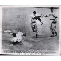 1952 Press Photo Cubs Eddie Miksis out vs Giants Al Dark at 2nd - nes34810