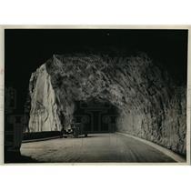 1930 Press Photo Mt. Carmel Tunnel highway gallery view, Utal