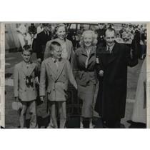 1951 Press Photo Robert Vogeler, back on U.S. after imprisonment in Hungary.