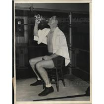1934 Press Photo Tommy Loughran at Stillmans Gym boxing training in NYC