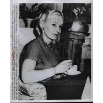 1950 Press Photo Mrs Lucille Voegler, huband jailed in Hungary as a spy