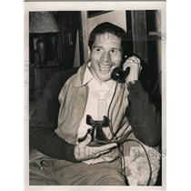 1940 Press Photo Boxer Arturo Godoy on phone with wife from Carmel NY