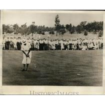 1930 Press Photo Johnny Lehman makes winning putt, Western Amateur Championship