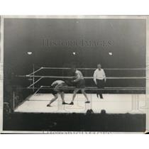 1930 Press Photo Tuffy Griffith beats Jack Gagnon at Chicago Stadium