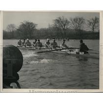 1941 Press Photo Marietta College crew & coach Hooter MacDonald at workout