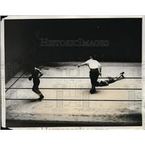 1931 Press Photo Alfred Napolitano KOs Peter Boscarend at Madison Square Garden