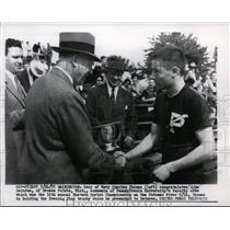 1955 Press Photo Secretary of Navy Charles Thomas & John DeGurse of PA U Crew