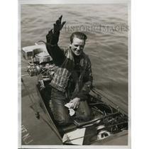 1934 Press Photo CH Johnson in his boat Dorchart III - nes36569
