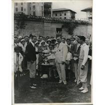 1932 Press Photo Ralph Redmond receiving Henry Doherty Trophyat Southern tourn.