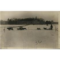 1926 Press Photo Philip Malloy and his dog team at start of Dog Derby Classic
