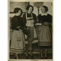 1927 Press Photo Mrs.Harry L. Eastman, Mrs.Bartow Hanna, Ms Angeline Manu.