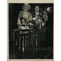 1932 Press Photo Charlotte Farrar and Mrs J.H.Cudmore, Grand Central Station