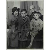 1934 Press Photo Capt. C. B. Horrall and Family Los Angeles Police Department