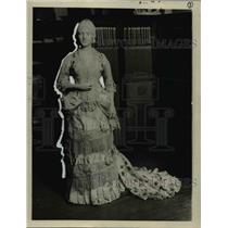 1923 Press Photo Lucy Webb Hayes in circa 1877 to 1881 fashions - nee81497