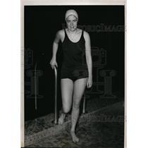 1939 Press Photo Dorothy Leonard National AAU 220 yard freestyle swim champ