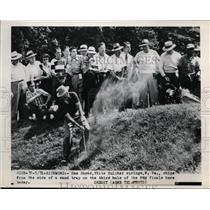 1949 Press Photo Sam Snead in the rough at PGA final round in Richmond VA