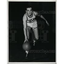 1942 Press Photo Frank B Quinn captain of Notre Dame basketball team - nes37514