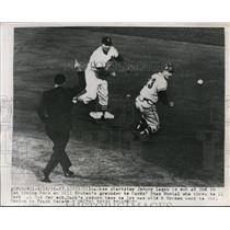 1959 Press Photo Braves Johnny Logan out at 2nd vs Cardinals Al Dark - nes37723
