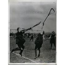 1934 Press Photo Women's Lacrosse at Merton Abbey in England goalie makes save