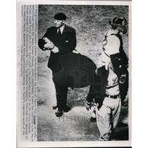 1952 Press Photo Umpire Boll McGowan, Browns manager Marty Marion vs Red Sox