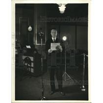 1933 Press Photo Rear Admiral Richard E Byrd of Antarctic Expedition on CBS Radi