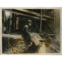 1926 Press Photo Guard at construction site in San Francisco during a strike