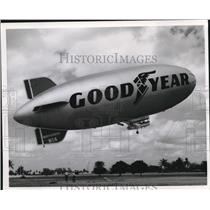 "1971 Press Photo Airplanes, Dirigibles ""Mayflower"" - cva78144"