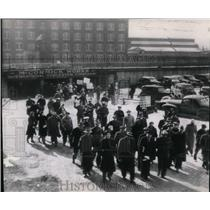 1946 Wire Photo Chicago plant of Int'l Harvester Co walk out as strike begins