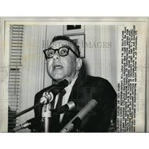 1965 Press Photo Herbert HIll Labor Secy for NAACP at news conference.
