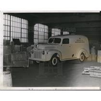 1941 Press Photo American Red Cross Blood Donor Service Vehicle - cva73453