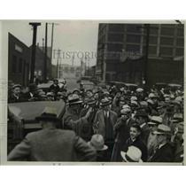 1934 Press Photo Frank Blahovee Addresses Street Meeting A&P Employees