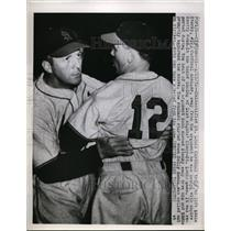 1952 Press Photo A St Louis Cardinal & manager Eddie Stanky at Cinncinati