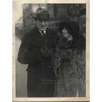 1922 Press Photo Paul Leatherman U of Chicago football star & Natalie Brown wed