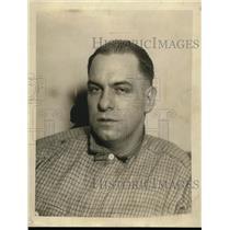 1927 Press Photo Fireman Walter Doran Hurt in Fire at Camden Coffee Co.