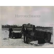 1936 Press Photo Boy Beside Giant Dipper at Florida Ship Canal Project Site